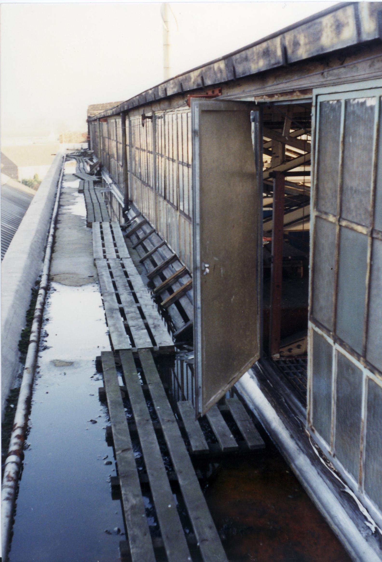 p-065-23-crittallswalk-on-roof
