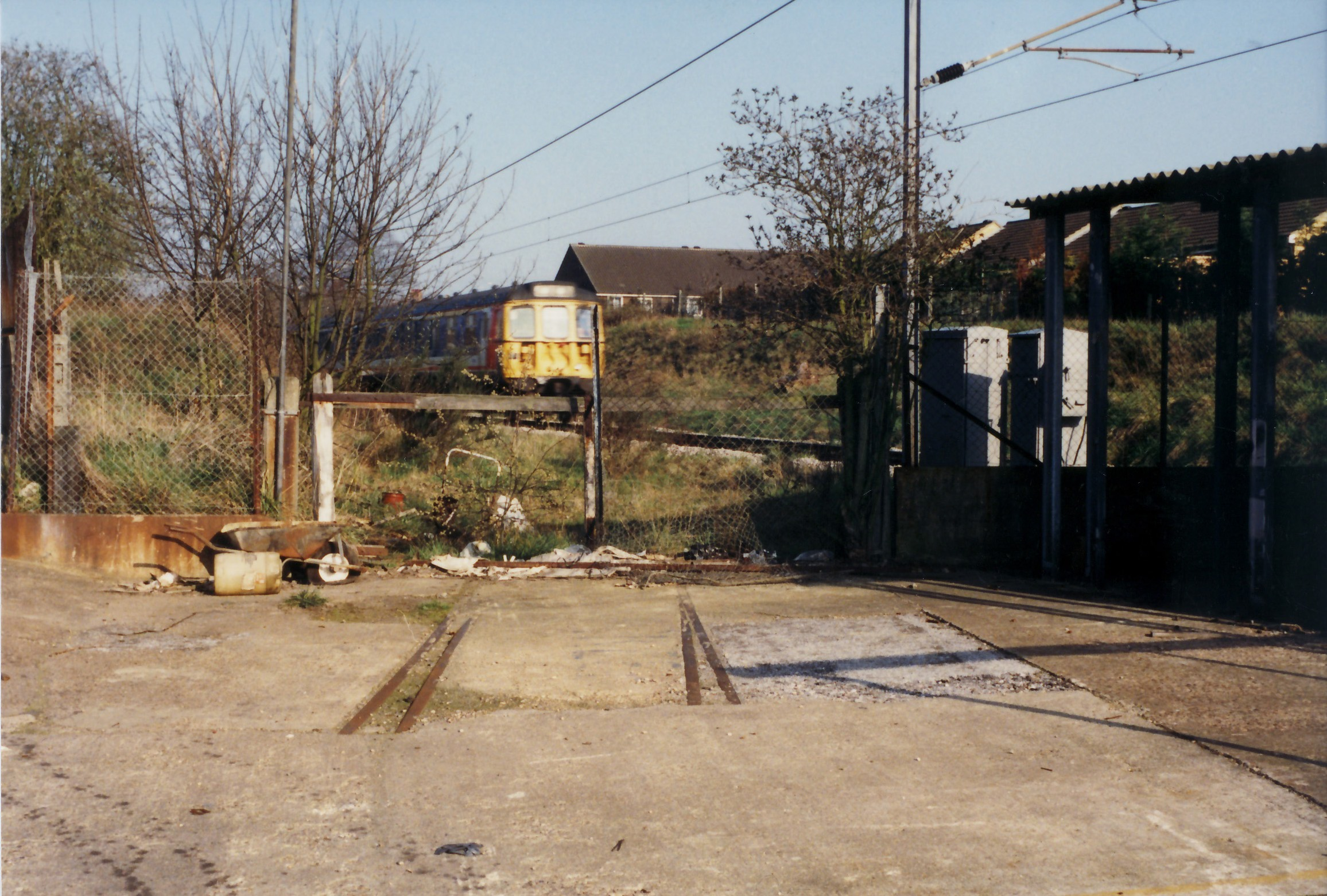 p-066-04-crittalls-outdoors-train-and-tracks-to-factory