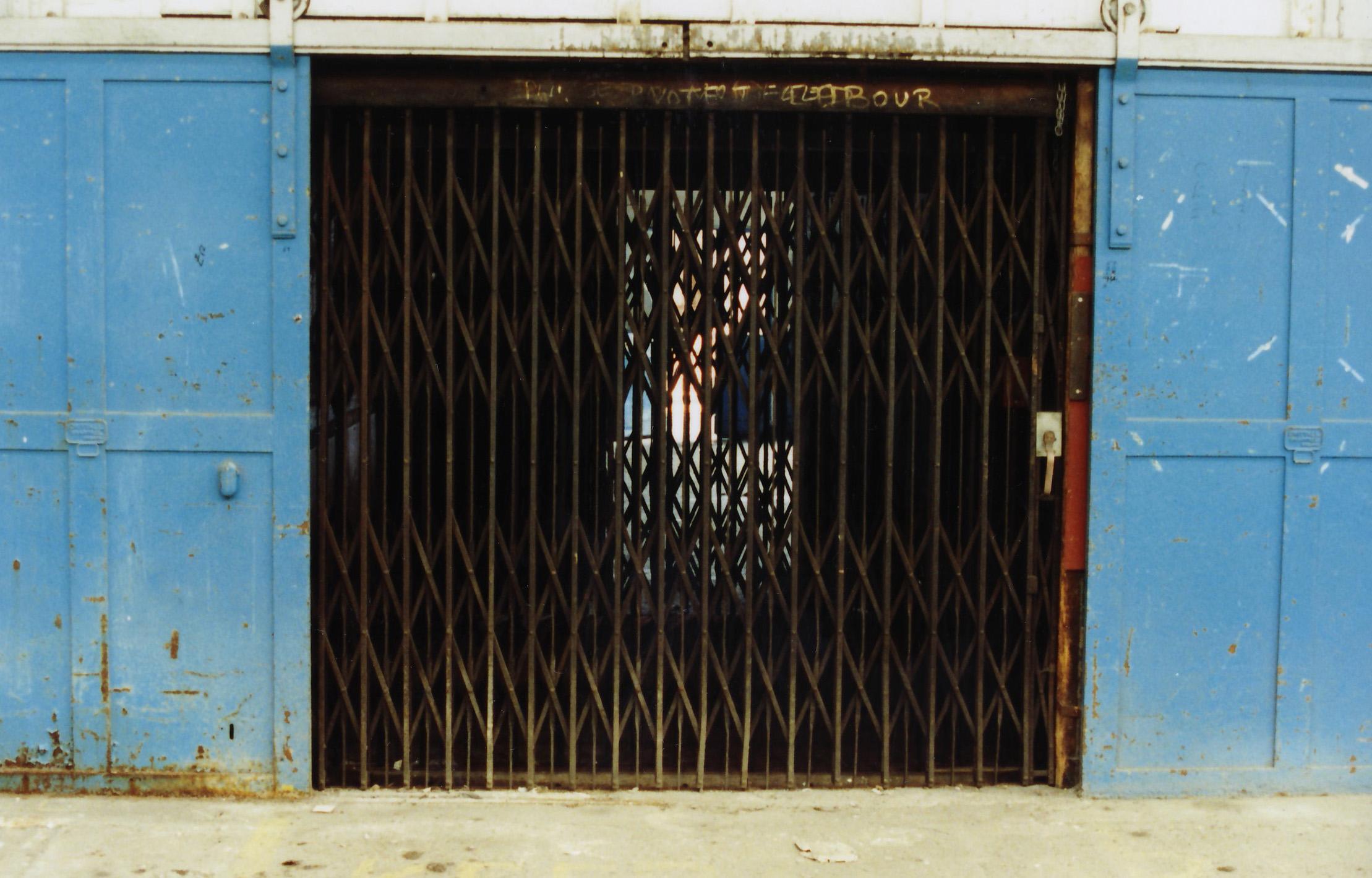 p-067-25-crittalls-doors-to-lift