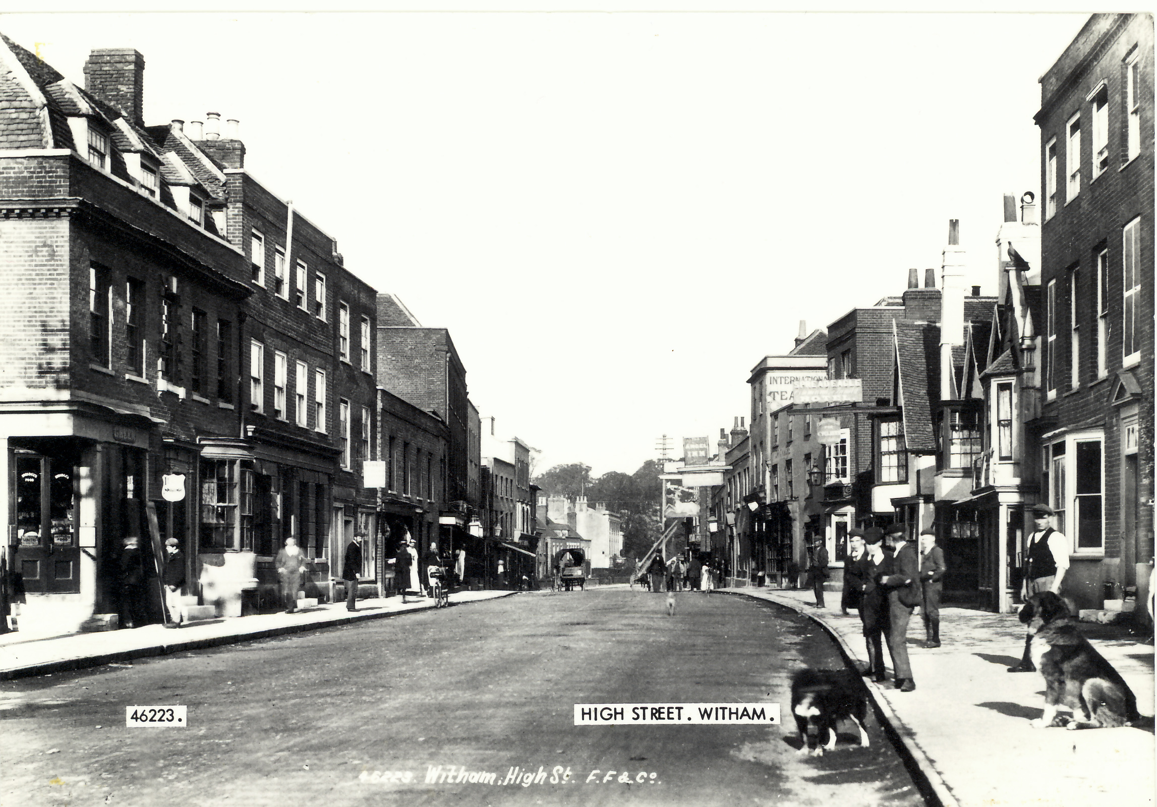 Narrow part of Newland Street c.1900, as discussed below